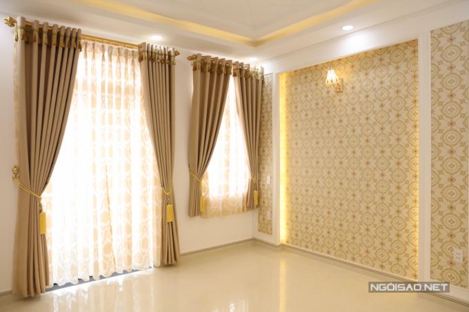 Tầng 2 của ngôi nhà vẫn còn hai phòng trống được gia chủ dự định lắp nội thất,làm phòng ngủ cho người thân, bạn bè đến chơi ngủ lại.