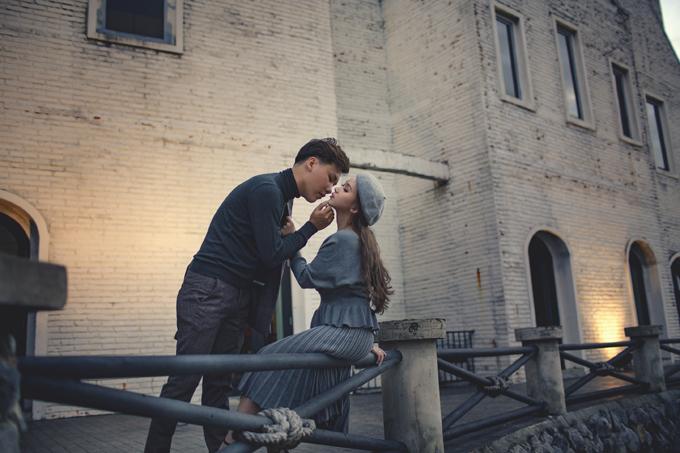 Cặp vợ chồng khám phá nhiều ngóc ngách của Khao Yai giúp album cưới sinh động.