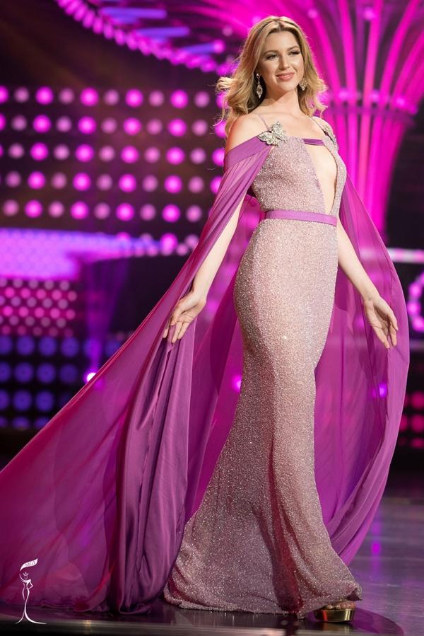 Madison năm nay 23 tuổi, cao 1,78m và từng đoạt Á hậu 3 Hoa hậu Hòa bình Quốc tế 2016.