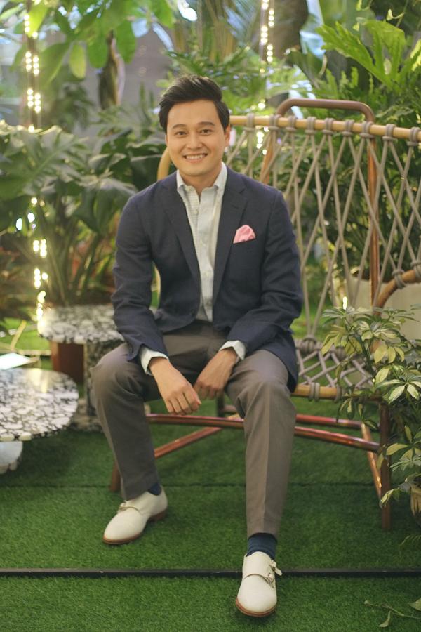 Hoàng tử sơn ca Quang Vinh dù không hoạt động ca hát nhưng rất đắt show event, quảng cáo.