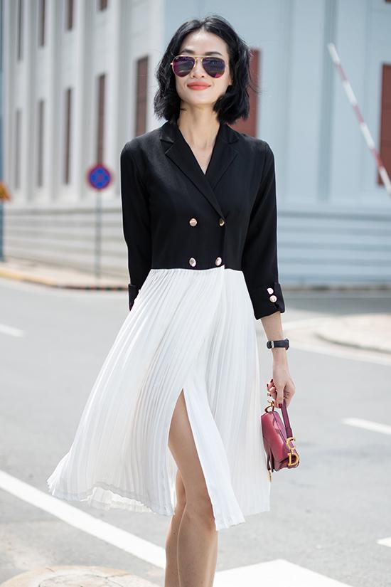 Vải xếp ly mang tới hiệu ứng thị giác độc đáo cho các kiểu váy sát nách, váy suông. Bên cạnh đó chúng còn được kết hợp với lụa nhân tạo, thun cotton... để mang tới các kiểu váy phối cùng áo vest, chân váy rời tiện dụng.