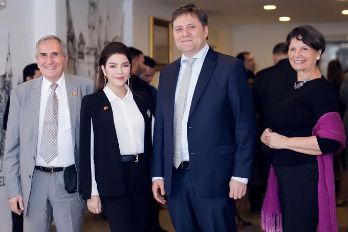 Lý Nhã Kỳ mở tiệc tiếp đoàn ngoại giao châu Âu - 7