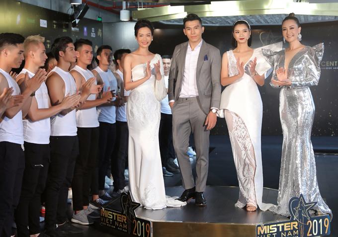 Hoa hậu Thu Thuỷ đọ sắc vóc bên Đàm Lưu Ly - 6