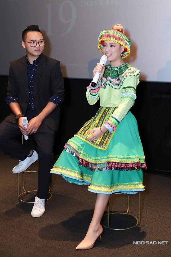Thời gian qua, Hoàng Thùy Linh cũng đánh dấu sự trở lại lĩnh vực phim truyền hình với vai diễn mới trong Mê cung sau gần 12 năm vắng bóng vì scandal.