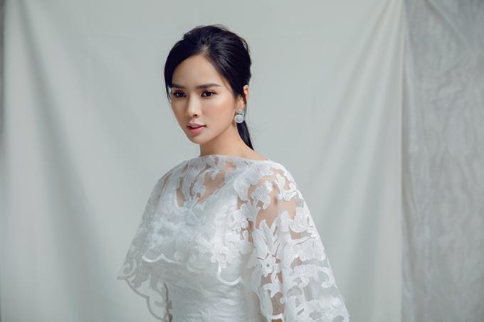 Nữ diễn viên phim Nếu còn có ngày maichia sẻ cô cảm thấy mình đẹp nhất, hấp dẫn nhất khi diện trang phục kín đáo.