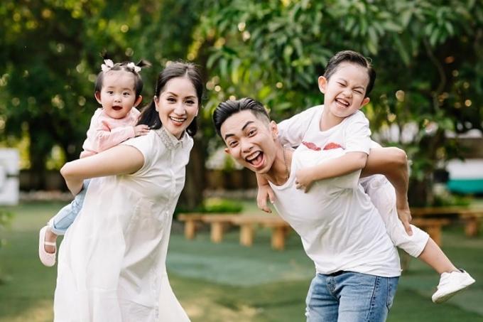 Khánh Thi có cuộc sống viên mãn bên ông xã Phan Hiển và hai bé Kubi - Anna.