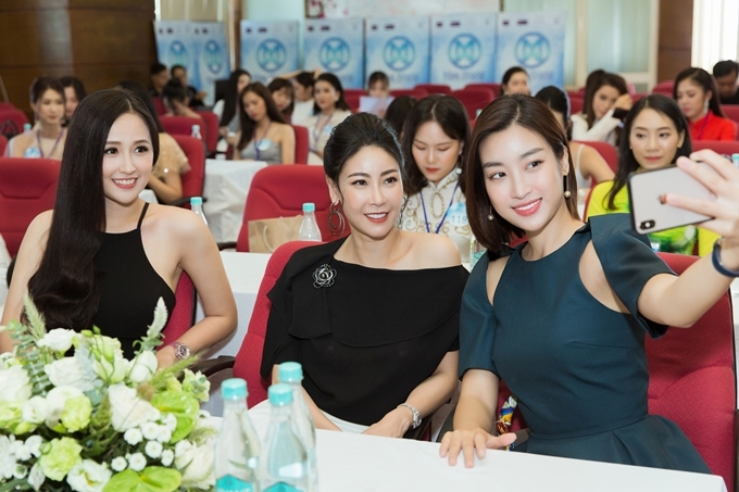 Ba người đẹp đều là những Hoa hậu Việt Nam để lại nhiều dấu ấn tốt đẹp với khán giả với nỗ lực giữ gìn hình ảnh,