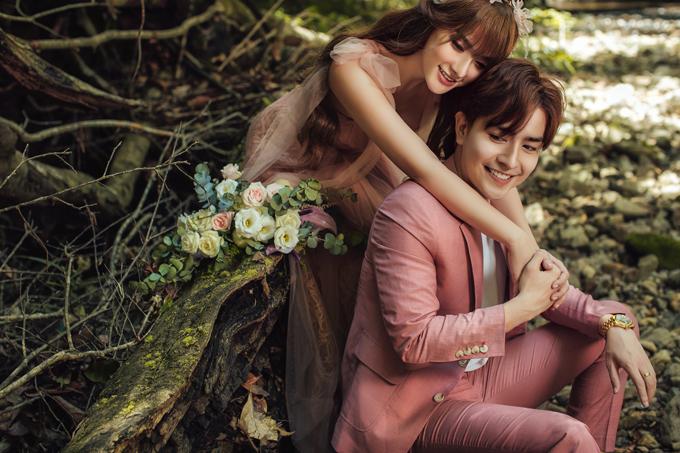 Dù không phải lần đầu Thu Thủy thực hiện bộ ảnh diện váy cưới nhưng đây là lần đặc biệt, mang đến cho cô nhiều cảm xúc.