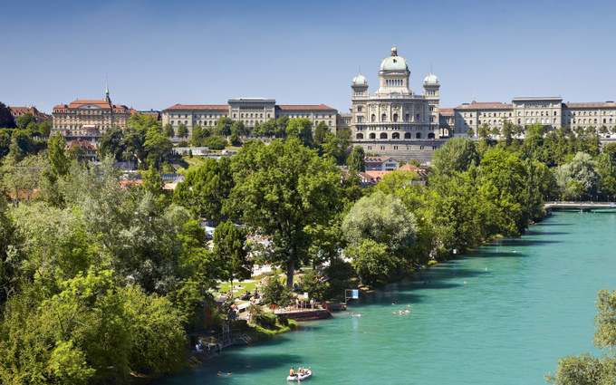Tắm sông như người Thụy Sĩ giữa thủ đô mùa hè