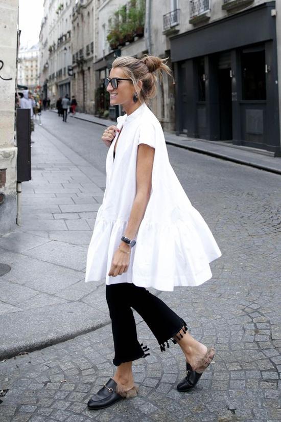 Áo dáng rộng cũng đa dạng về kiểu dáng để mang lại nhiều cách mix-match đồ dạo phố cho các nàng.