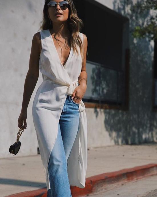Khi cảm thấy quá ngột ngạt trong những set đồ ôm sát, trang phục free size, váy áo dáng rộng là thứ được phái đẹp tìm kiếm.