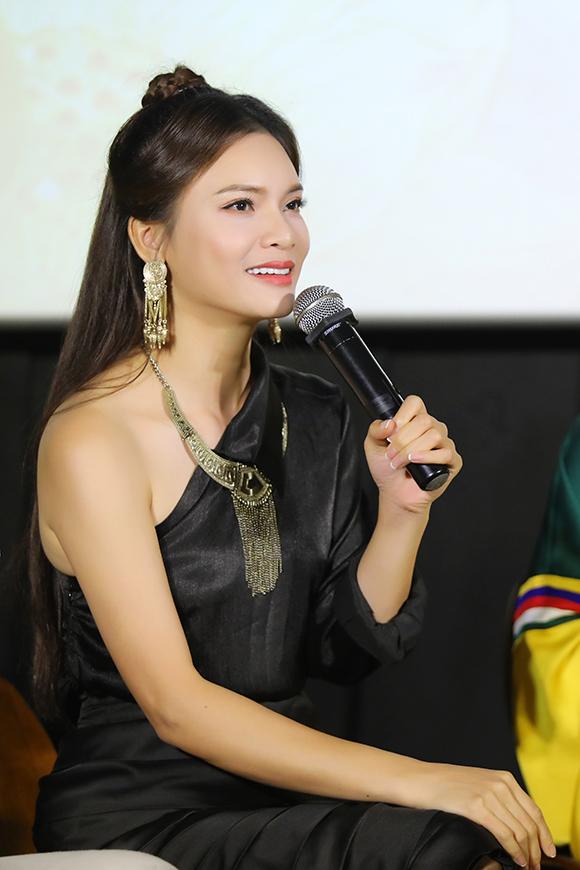 Phạm Phương Thảo là đàn chị và cũng là tác giả của ca khúc Mơ duyên.