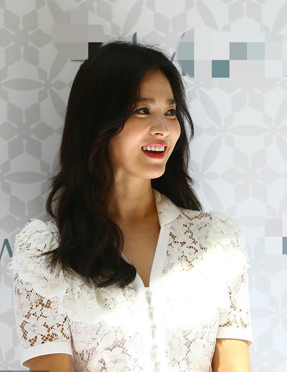 Cô cũng bày tỏ niềm vui khi được các fan liên tục gọi tên và thổ lộ tình yêu với mình.