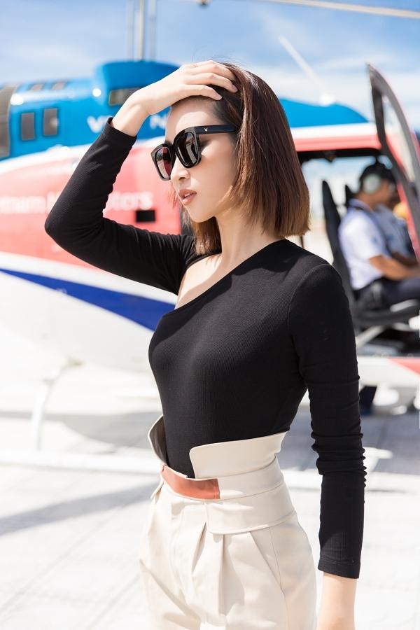Đỗ Mỹ Linh đi chơi trực thăng sau ồn ào tình ái với thiếu gia - 1
