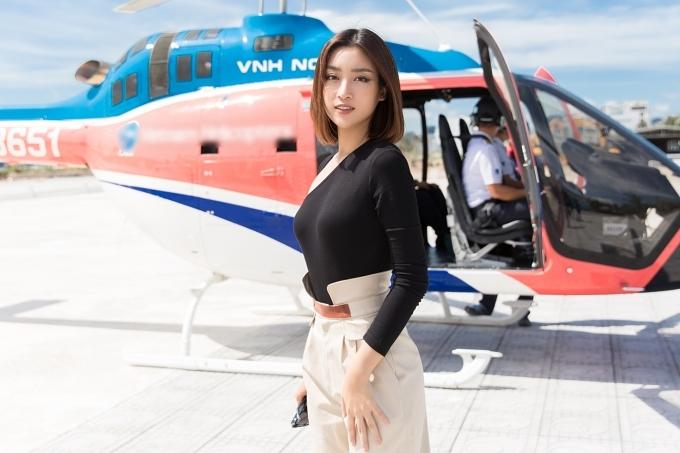 Đỗ Mỹ Linh đi chơi trực thăng sau ồn ào tình ái với thiếu gia
