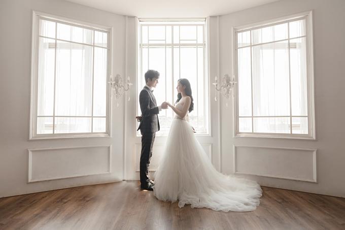 Concept chụp ảnh cưới trong nhà theo phong cách Hàn Quốc là xu hướng không hề mới nhưng luôn dẫn đầu vàđược giới trẻ lựa chọn nhiều hơn cả trong nhưng năm gần đây.
