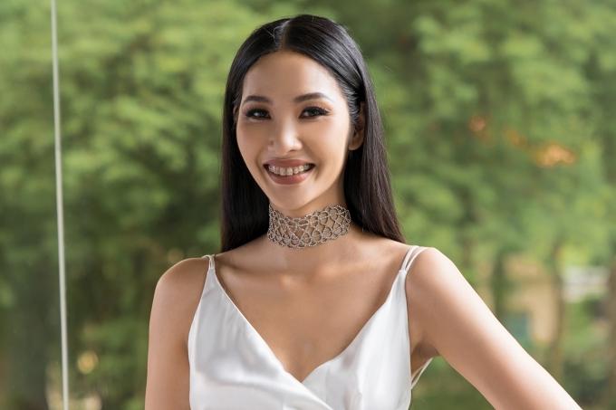 HHen Niê, Lệ Hằng chấm thi trang phục truyền thống cho Hoàng Thùy - 4