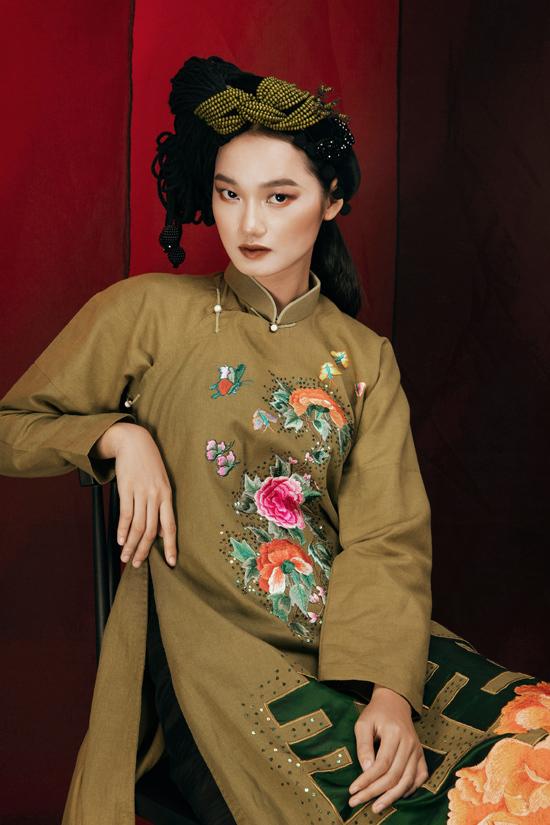 Photo: Kiếng Cận. Trang điểm và làm tóc: Đinh Trần, San Trần. Model: Quỳnh Anh Nex Top.