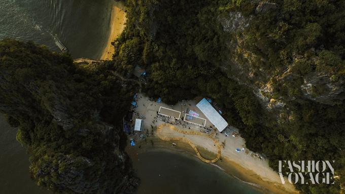 Đảo Bàn Chân trên vịnh Hạ Long được chọn làm địa điểm tổ chức Fahion Voyage 2.