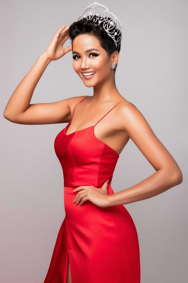 HHen Niê làm gãy vương miện Hoa hậu Hoàn vũ Việt Nam