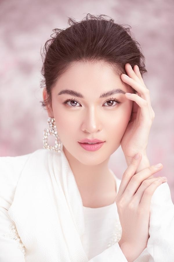 Á hậu Thùy Dung khoe nhan sắc tuổi 23 - 4