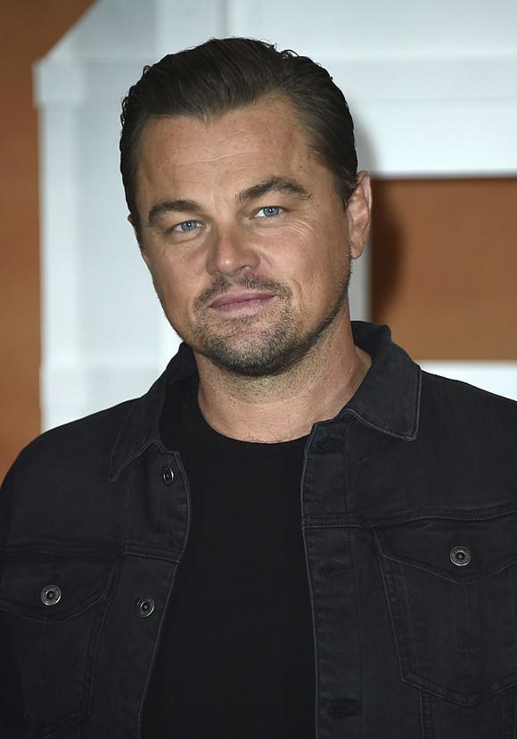 Leonardo DiCaprio trở lại phong trần với vai một ngôi sao điện ảnh đang trên đà tụt dốc ở Hollywood thập niên 1970.