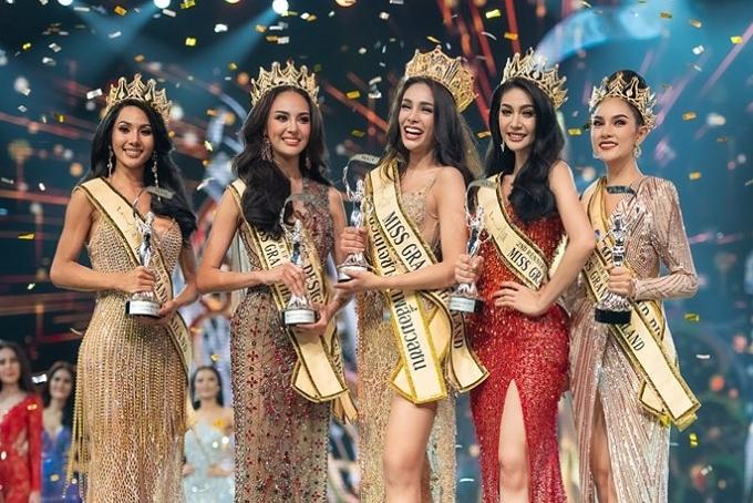 Đội vương miện hoa hậu danh giá tối 13/7, Coco rạng rỡ bên 5 Á hậu của Miss Grand Thái Lan 2019.