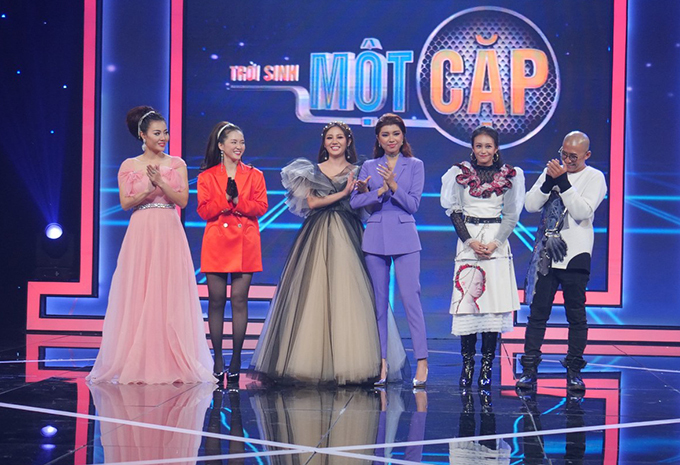 3 đội thi trong đêm chung kết: Thanh Hương - Đinh Hương, Văn Mai Hương - Đồng Ánh Quỳnh, Kim Anh - Thiên Vương (từ trái sang).