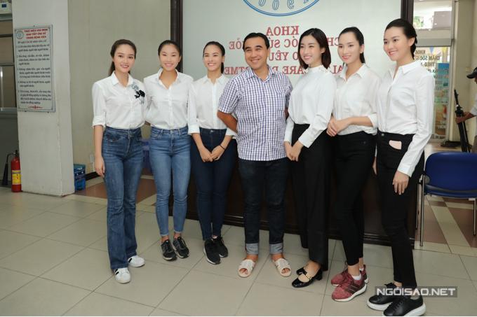 Mỹ Linh hội ngộ MC Quyền Linh và các thí sinh Hoa hậu Thế giới Việt Nam 2019.