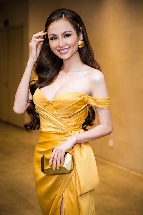 Nhan sắc tuổi 29 của Diễm Hương.