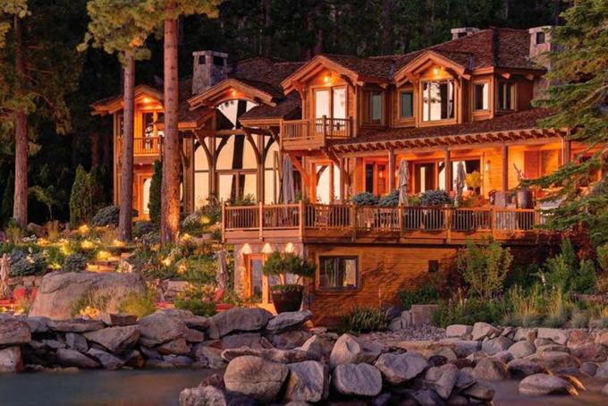 Tỷ phú Ellison còn sở hữu nhiều bất động sản dọc theo hồ Tahoe thơ mộng, nơi được giới siêu giàu Mỹ yêu thích. Tổng số tiền ông chi cho các bất động sản ở đây ước tính khoảng 102 triệu USD.