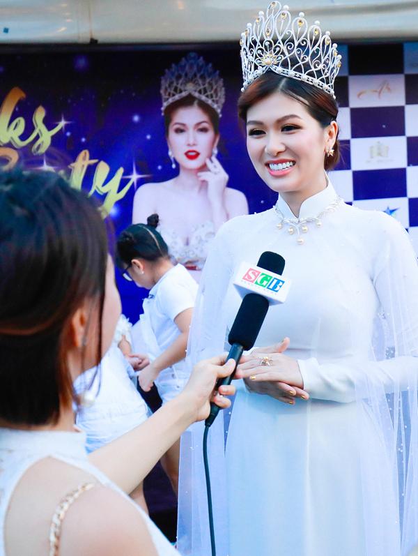 Oanh Yến chia sẻ, cô hạnh phúc khi đăng quang Queen of Beauty World 2019 và vẫn muốn thử sức ở các cuộc thi nhan sắc khác, nếu có cơ hội.