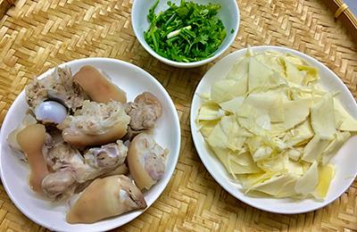 Canh giò heo nấu măng tươi - 2