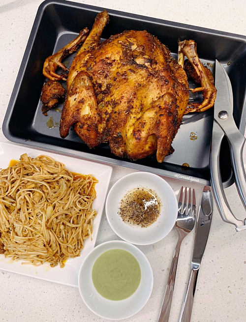 Sở trường của Phương là các món Á, món Việt nhưng cô lại có một người chồng tương lai rất giỏi nấu đồ Âu. Bởi vậy, bữa cơm cuối tuần của gia đình cô luôn có thực đơn phong phú.