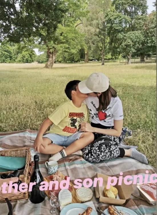 Lý Gia Hân diện xuyên thấu khi cùng chồng đi du lịch - 5