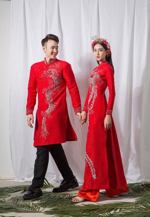 Theo quan niệm Á đông, rồng có yếu tố dương, phượng có yếu tố âm nên cô dâu, chú rể thường sử dụng áo dài đôi có hai hình ảnh này để gửi gắm ước vọng hạnh phúc, cuộc sống no đủ, ấm áp.