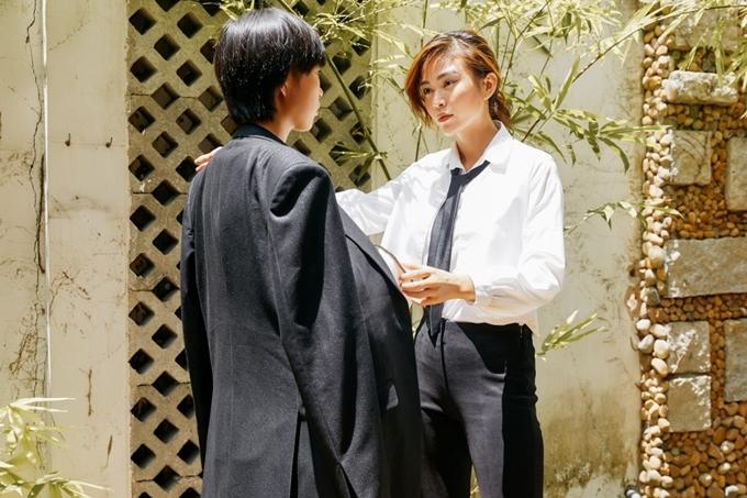 Bộ sưu tập The golden women hướng đến đối tượng phụ nữ văn phòng. Mâu Thủy tìm hiểu kỹ lưỡng về vóc dáng phụ nữ Việt nhằm sáng tạo các thiết kế phù hợp nhiều kích cỡ, cân nặng khác nhau.