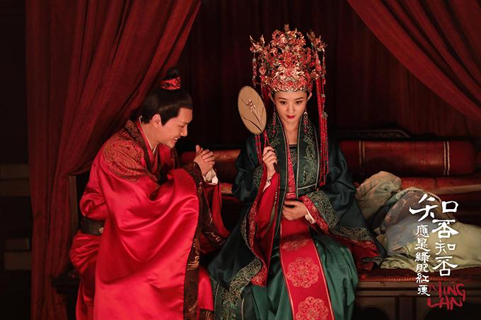 Minh Lan truyện là phim đầu tiên Triệu Lệ Dĩnh đóng cặp với Phùng Thiệu Phong lên sóng sau khi cặp đôi kết hôn