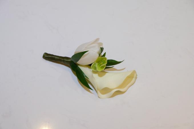 2 bó hoa cưới, 2 hoa cài áo của Đàm Thu Trang - Cường Đôla - 15