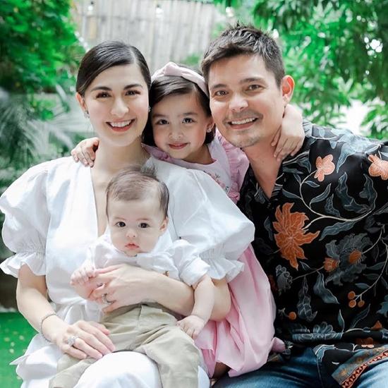 Những khoảnh khắc hạnh phúc của cả gia đình. Tổ ấm 4 người của ngôi sao Philippines càng trở nên hoàn hảo trong mắt khán giả, kể từ khi bé Ziggy chào đời.