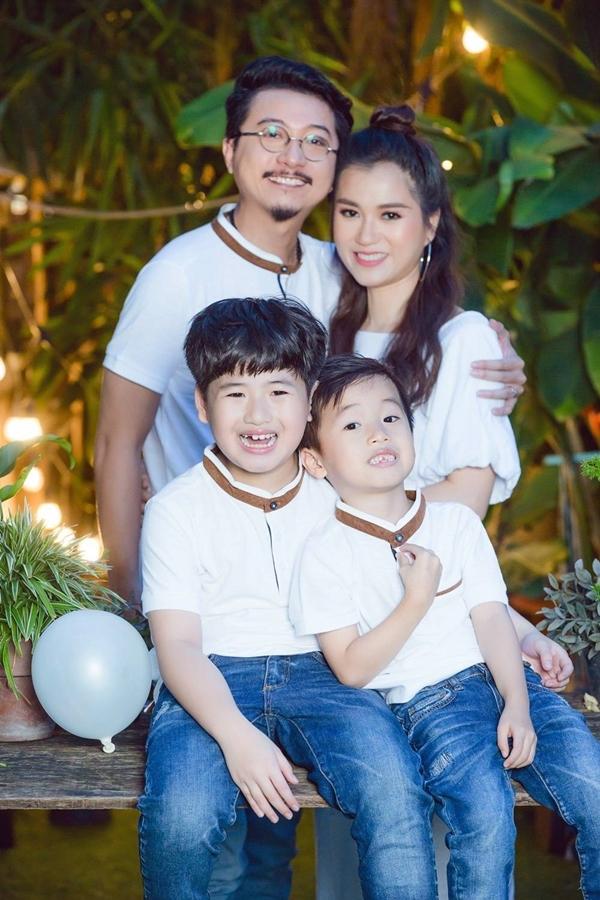 Cuộc sống của gia đình Lâm Vỹ Dạ - Hứa Minh Đạt sau 9 năm kết hôn - 8