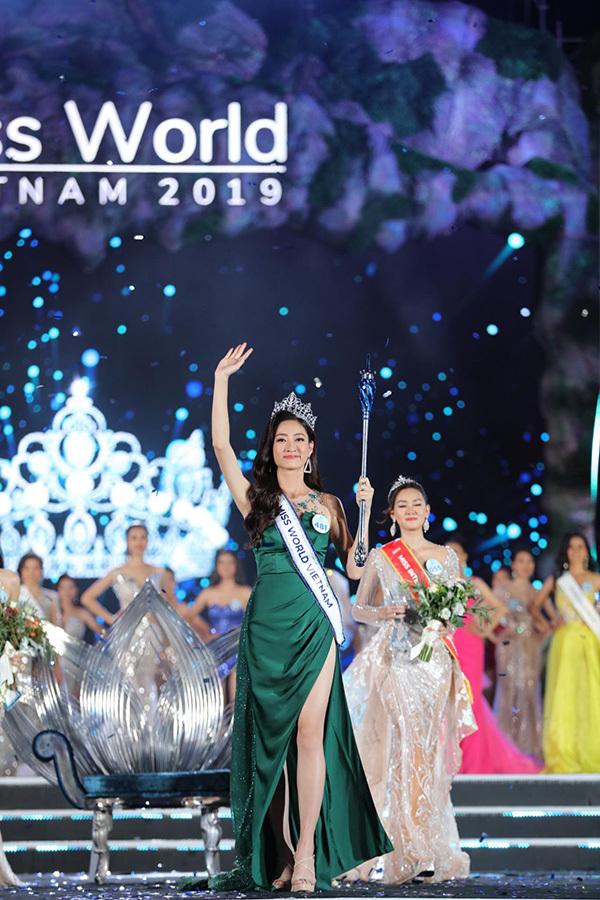 Lương Thuỳ Linh đăng quang Hoa hậu Thế giới Việt Nam 2019.