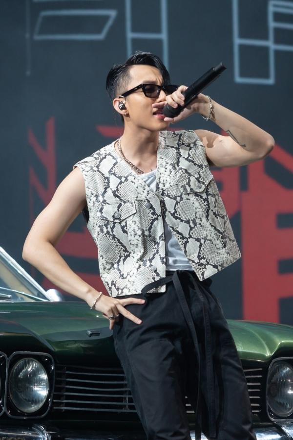 Sơn Tùng phải thở oxy khi tổ chức show ở Đà Nẵng - 3