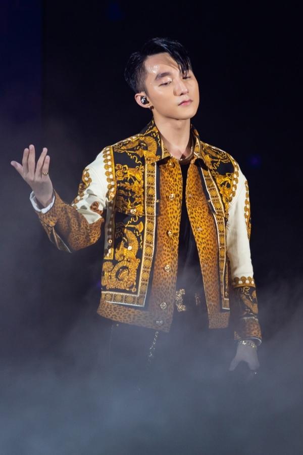 Sơn Tùng phải thở oxy khi tổ chức show ở Đà Nẵng - 5