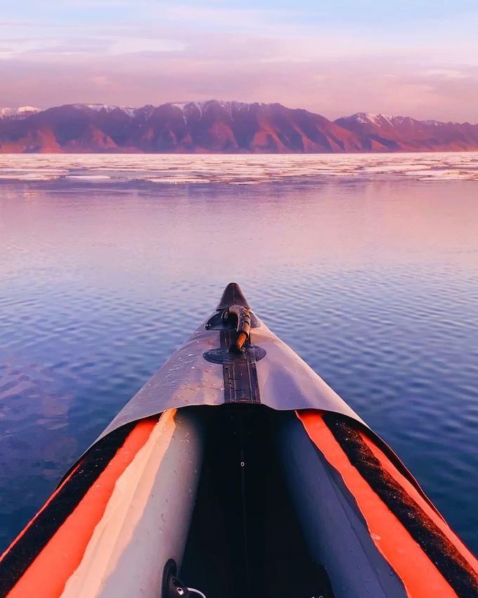 Vẻ đẹp siêu thực của hồ rộng nhất thế giới