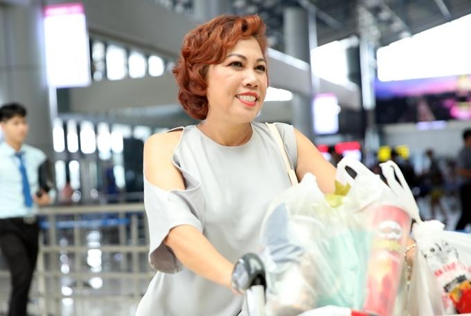 Nữ ca sĩ giảm được 20 kg, từ 72 kg xuống còn 52 kg. Hiện chị đã mặc vừa những trang phục bó thay vì đầm suông rộng thùng thình như trước đây.