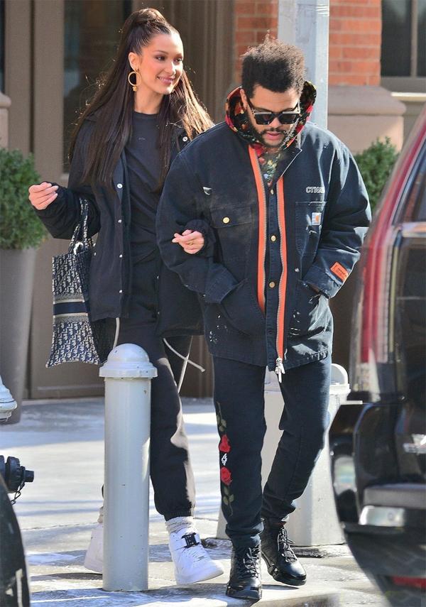 Paparazzi chụp ảnh Bella đi dạo với The Weeknd lần cuối vào tháng 2.