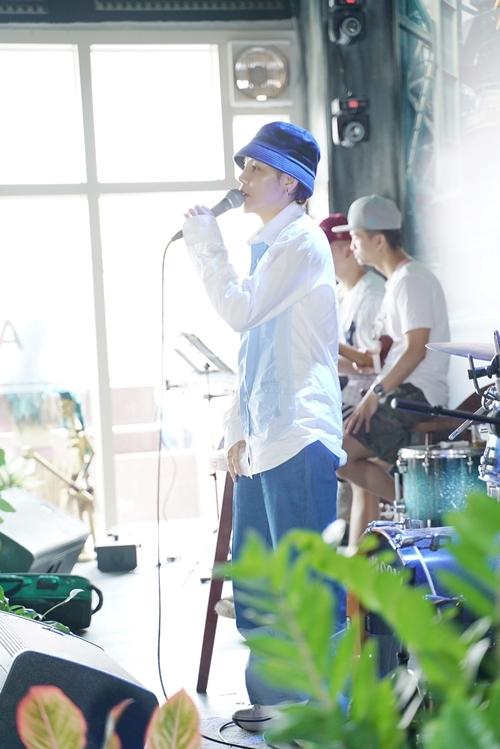 Những ngày này, Vũ Cát Tường liên tục bay từ TP HCM ra Hà Nội để tập luyện cho liveshow sắp diễn ra. Đêm Dear Hanoi được nữ ca sĩ đặt nhiều kỳ vọng - mở màn chochuỗi liveshow mang tên VCT's Tour 2019 - dự án âm nhạc lớn nhất năm của Tường.