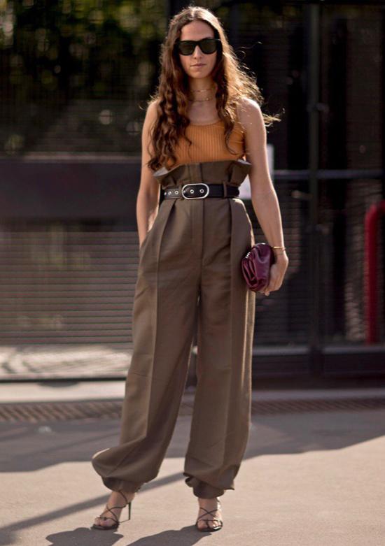 Các kiểu trang phục dành nàng không sợ nuốt dáng - 7