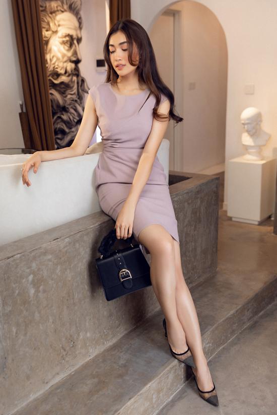 Đối với các nàng có vóc dáng ưa nhìn thì váy siết eo, đầm thắt eo là những trang phục dễ dàng tôn ưu điểm.